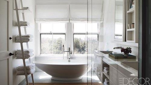 Modern bathroom and soaking tub